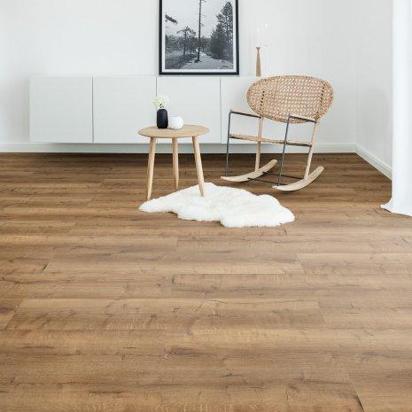 Wohnzimmer Vinylboden Designboden Eiche Rustikal Bodenbelag Skandinavisch weiße Wand Modern