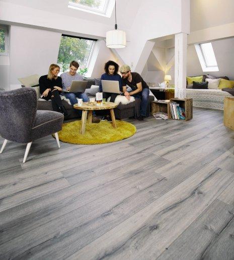 Wohnwelt Fußboden im Wohnzimmer | Hochwertige Bodenlösung ...