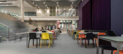 wineo PURLINE Bioboden großer Saal Universität