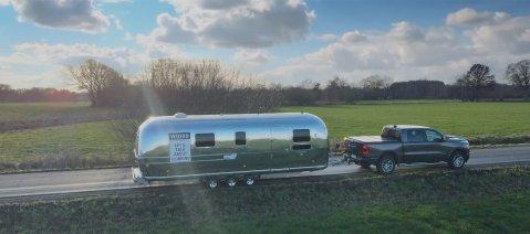 wineo Roadshow Caravan Airstream Zugfahrzeug Lets talk about flooring