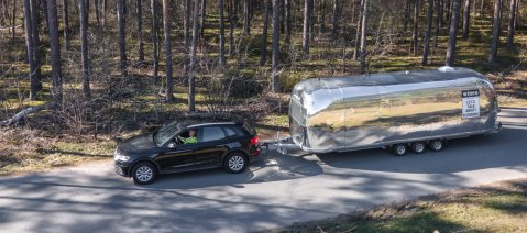 wineo Roadshow Caravantour Airstream Zugfahrzeug Lets talk about flooring