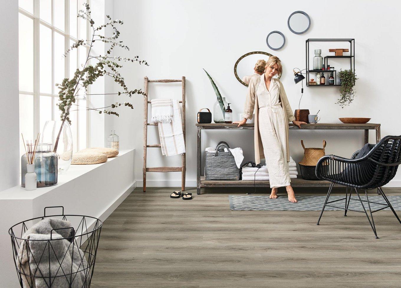 Badezimmer Loft Vinylboden Rigid Eiche Holzoptik Bodenbelag