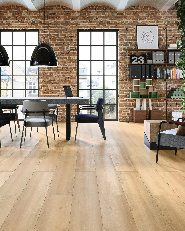 wineo Bodenbelag Holzoptik Wohnzimmer Esstisch modern