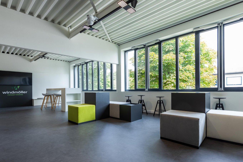wineo workspace Besprechungsbereich Besprechungstisch PURLINE Bioboden Fußboden Bodenbelag moderne Einrichtung