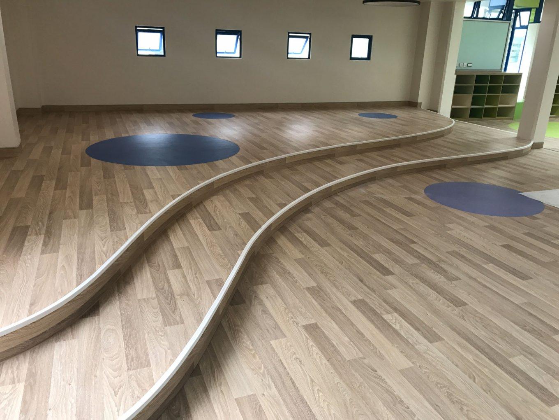 wineo Bodenbelag Holzoptik Kindergarten