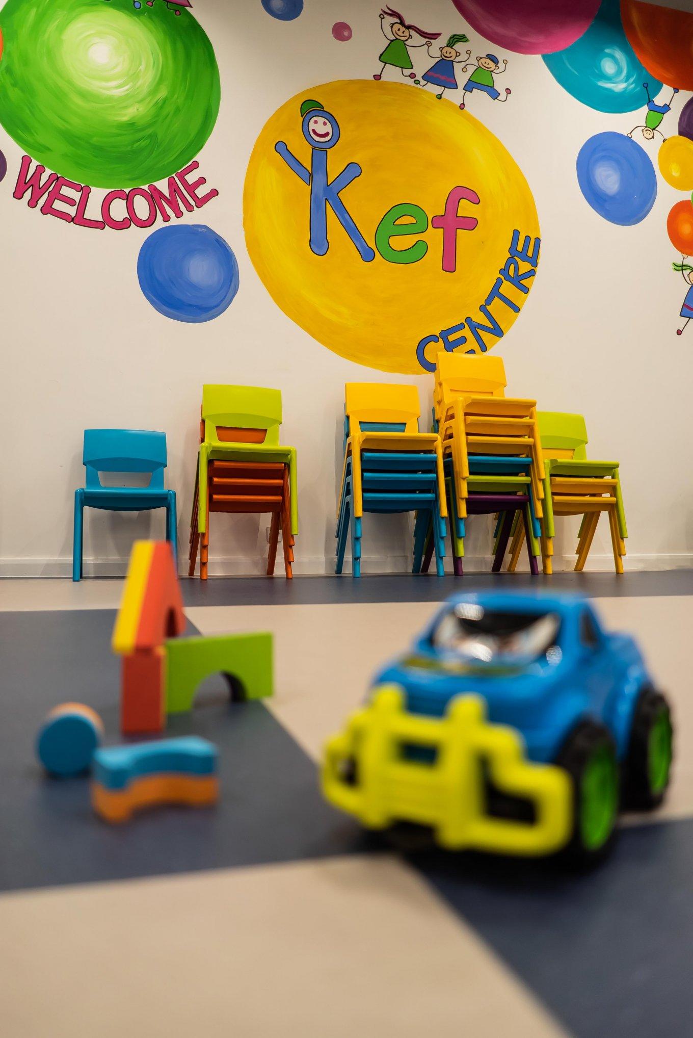 wineo PURLINE Bioboden Kindergarten Kita Spielzeug Stühle