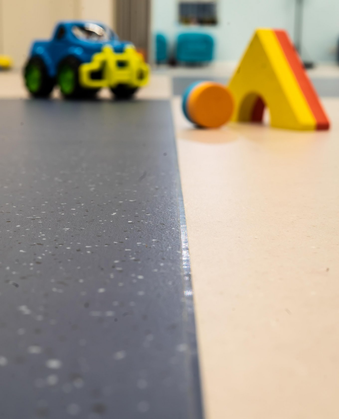 wineo PURLINE Bioboden Kita Kindergarten Blau weiß Übergang