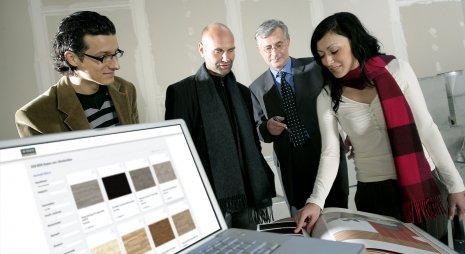 wineo BIM-Daten Besprechung Planung Laptop