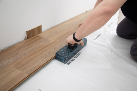 Verlegung wineo 400 Multi-Layer zum Klicken Designboden Holzoptik DIY verlegen