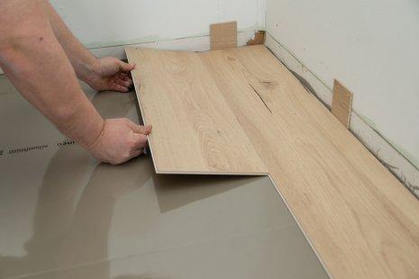 Verlegung wineo 1200 wood semi-rigid PURLINE Bioboden auf Unterlagsmatte silentRIGID DIY