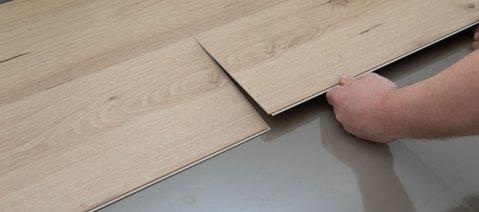 Verlegung wineo 1200 wood semi-rigid PURLINE Bioboden auf Unterlagsmatte silentRIGID Trittschalldämmung